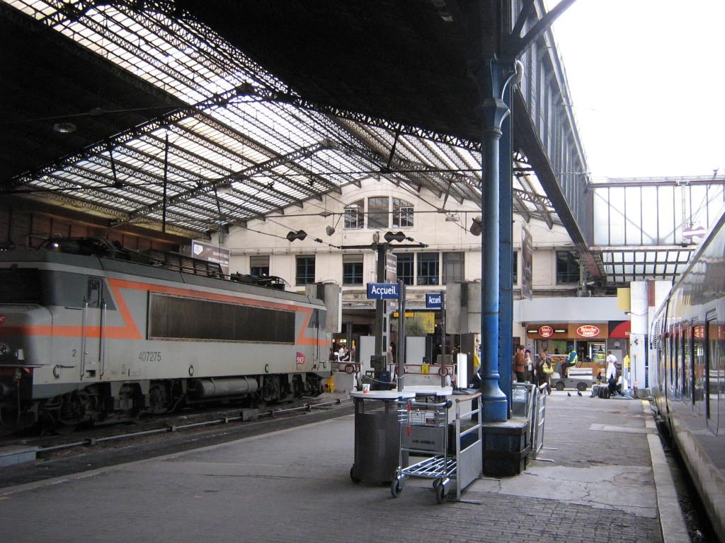 paris-train-station