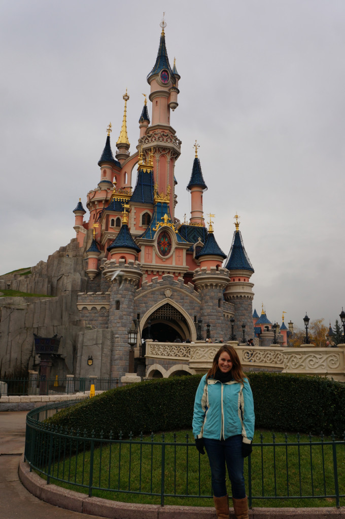 Something In Her Ramblings, a Madrid travel blog, celebrates Christmas at Disneyland Paris.