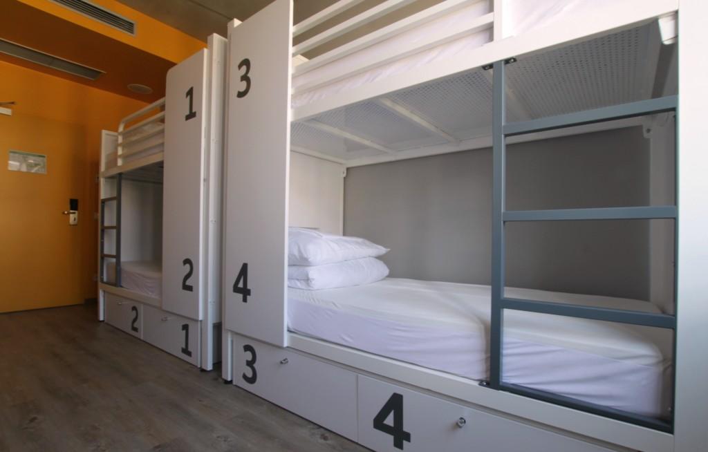 Dorm rooms lights - Generator Hostel Berlin Mitte