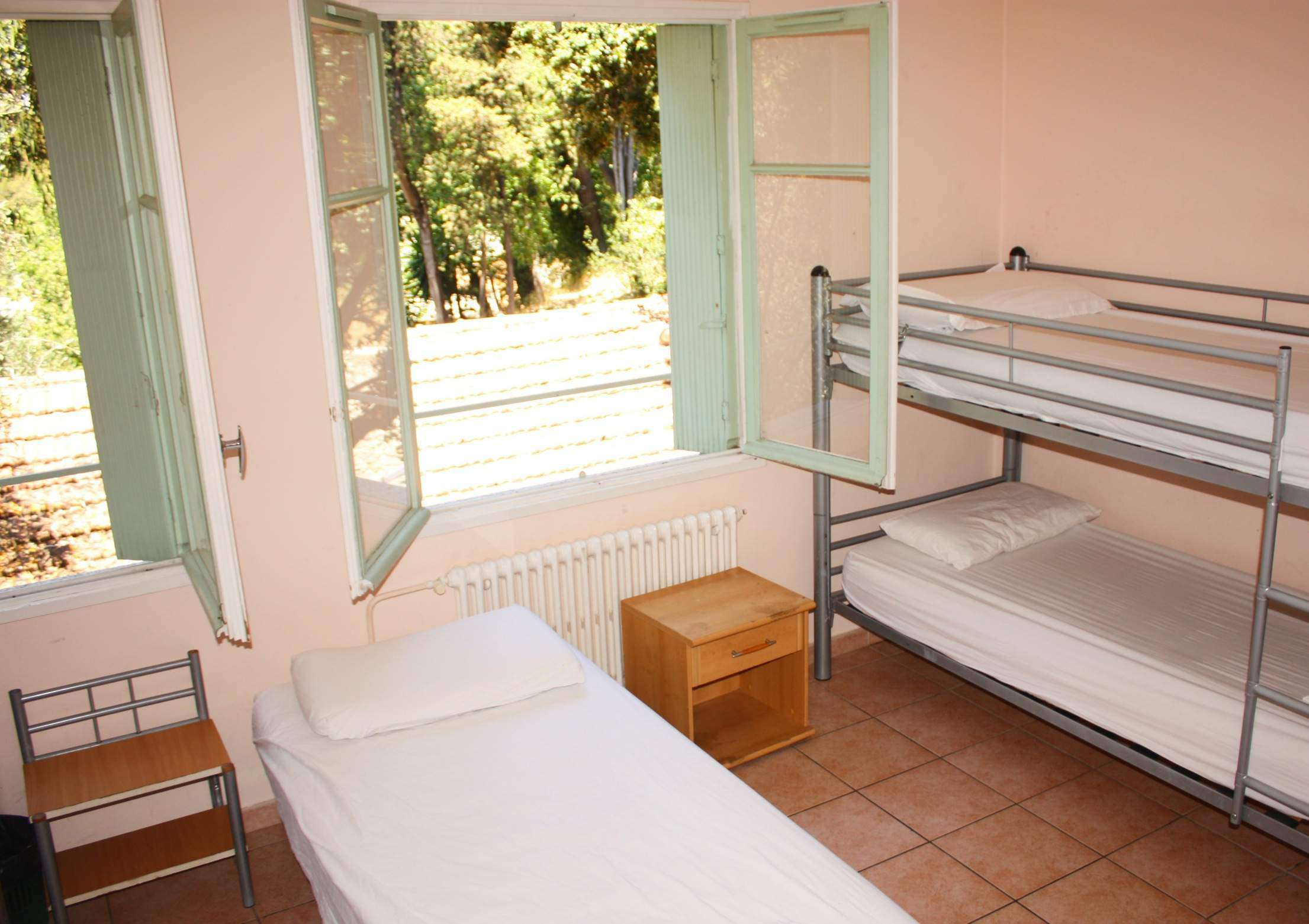 Villa Hostels In Nice