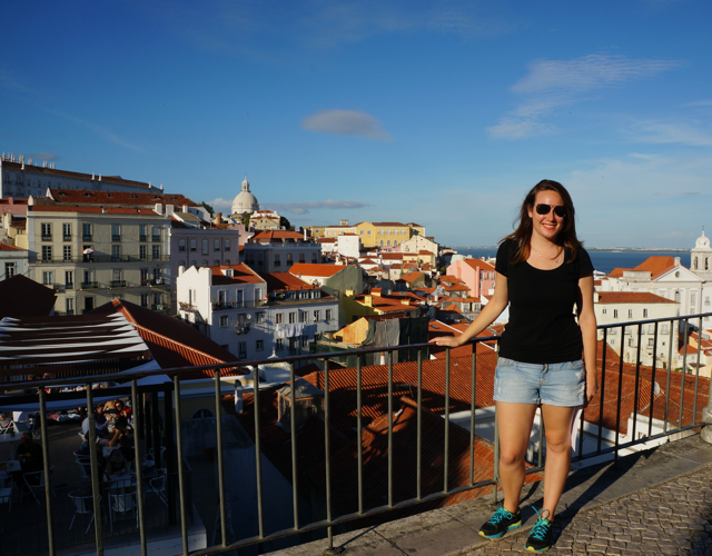Travel blogger Lauren Salisbury of Something In Her Ramblings op 10 things to do in Lisbon.