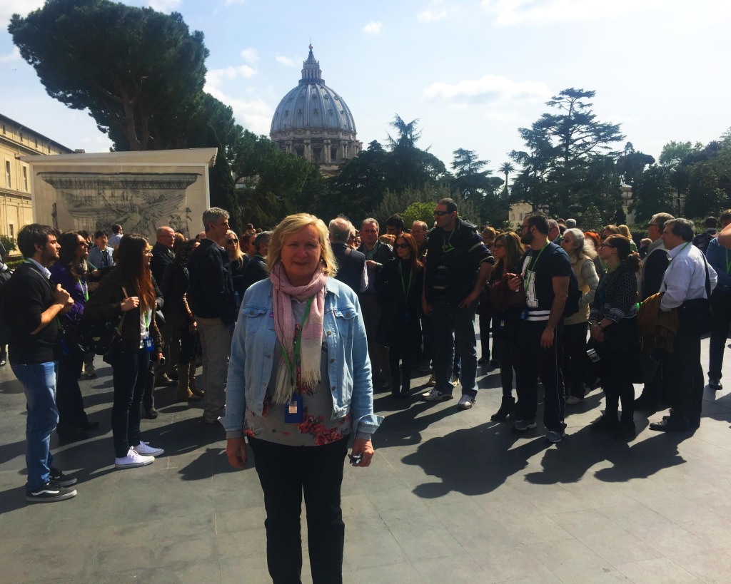 Lea Ann tours the vatican with City Wonders
