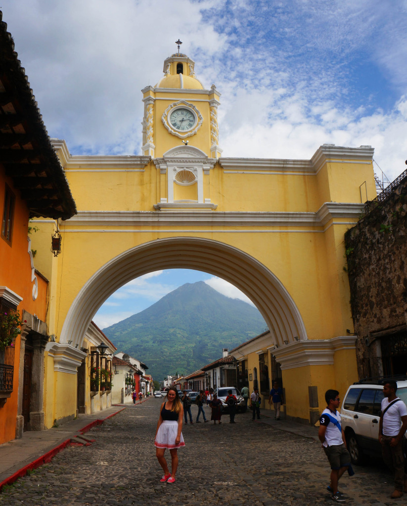 arch photos of antigua guatemala