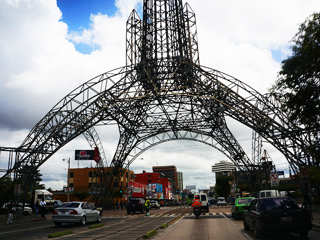 reasons to visit guatemala city- eiffel tower