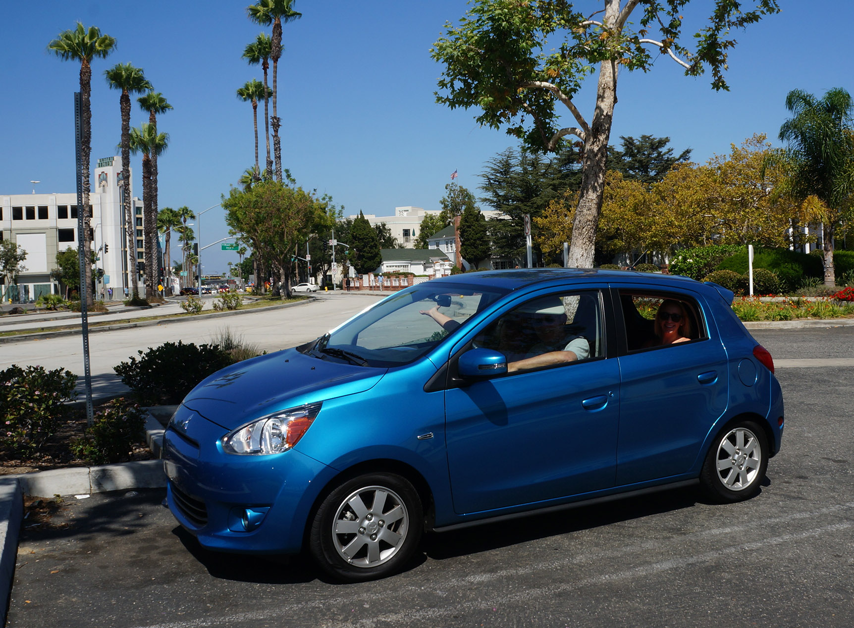 Best Car For City Dricing Mitsubishi Mirage Is Easy To Park