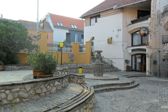 Solo travel in Hungary Centuries old courtyard