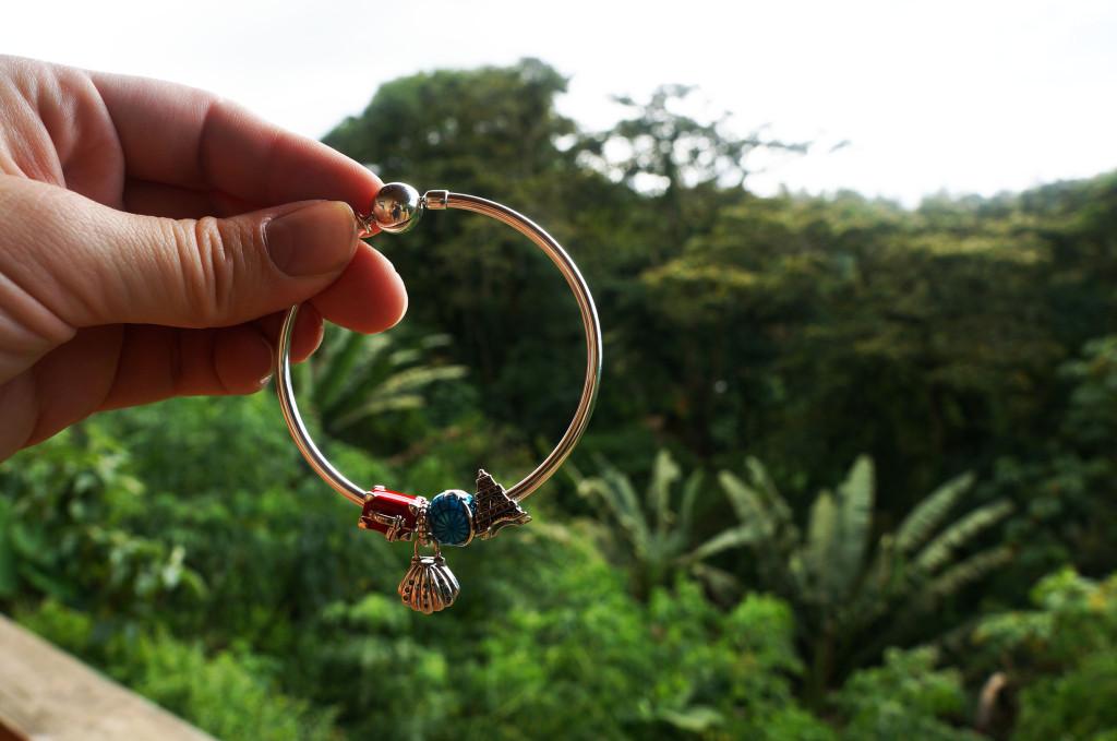 soulfeel bracelet held up