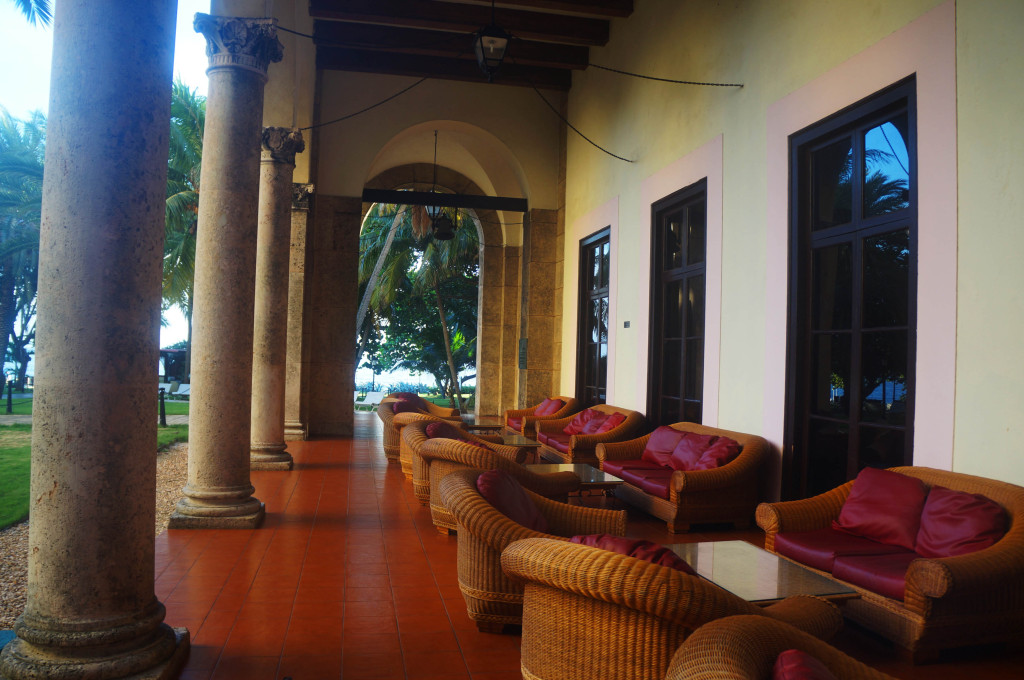 hotel nacional de cuba history- couches