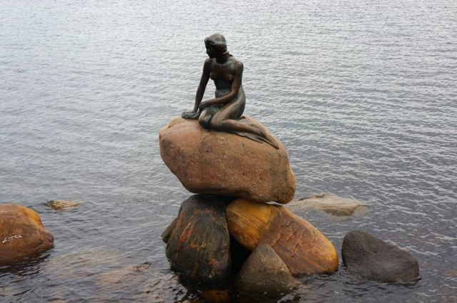 the best of copenhagen- the little mermaid statue