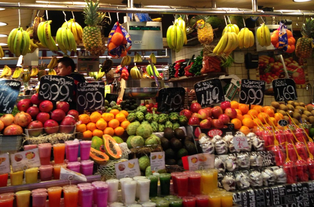 solo travel in spain barcelona market