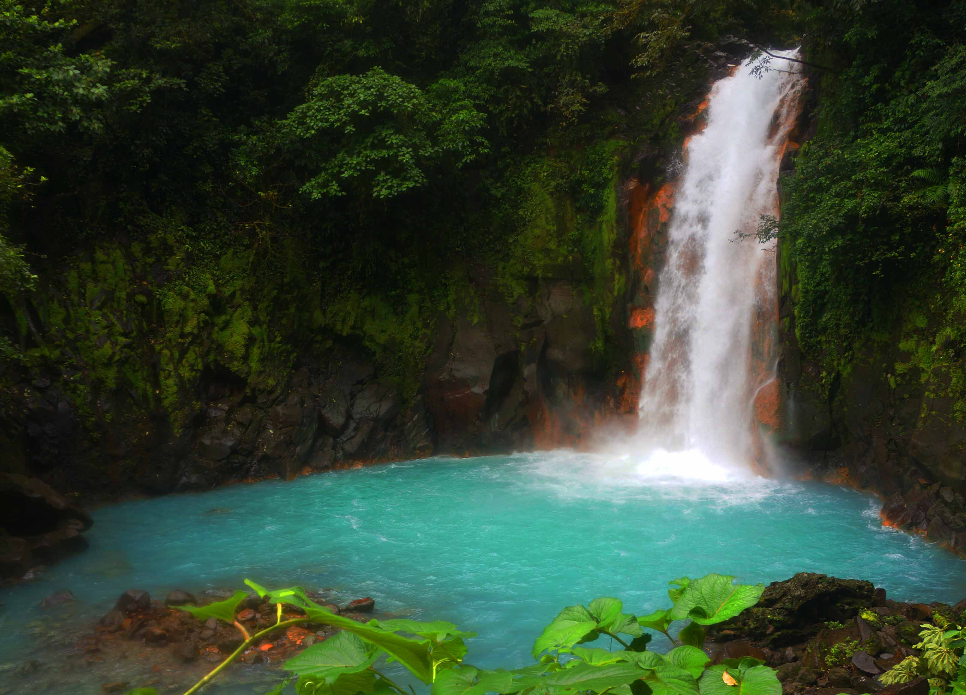 things to know before visiting rio celeste- rio celeste waterfall