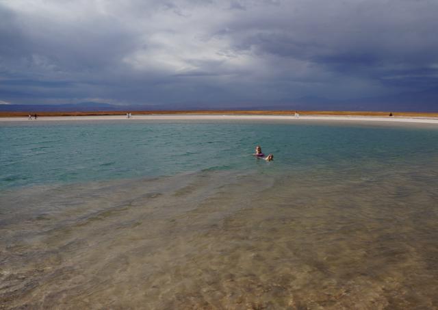 Seimming in Laguna Cejar