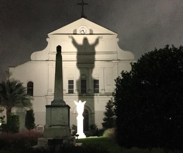 touchdown-jesus-walking-tour-new-orleans